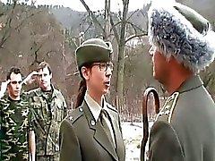Naughty Army Morena la perra de de Gett ...