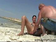 Shameless eşi yumruk plaj becerdin