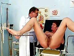 Mature del pussy peloso esame femminilizzazione in ospedale