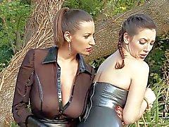 Sexy fessée lerdom avec des Sensual Jeanne et la de Jelena Jensen a