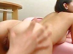 Tuhma Aasialainen Marian Ozawa kokemasi haittavaikutus on karvainen kusipää sormella aikaisemmin ankarissa porauksen
