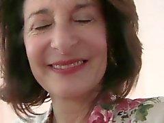 Бабуля нуждается в ее Воскресенья оргазмом