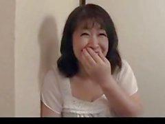 50 år gamla mogen Agaki Oda älskar hanen