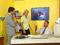 Nicoletta Blue - Secrétaire baisé dans les bureaux