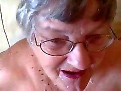 Büyük bir 76 yaşında Anneanne üzerinde yüz !