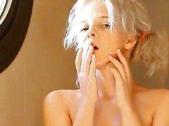 Rakning av vackra 18yo blondin fitta