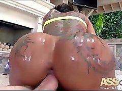 Big Ass Big Dick Bella Bellz İhtiyaç Duyuyor