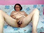 Lusty granny waits for you