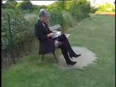 Kiimainen Ranskan kypsä Danielle munaa ulkona dp