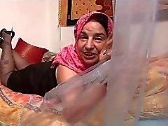 Arap Büyükanne R20
