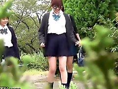 Adolescentes de japoneses cabrean