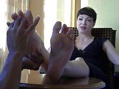 Goth Хозяйка ноги массаж
