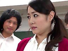 De Luscious Profesor japonés gangbanged en sus alumnas cachondos