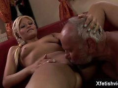 Hot pornstar fétiche avec massage