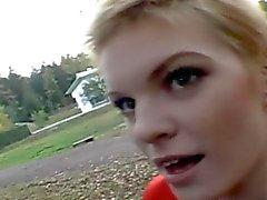 Velours court Oral blonde et Faciales L'en Public