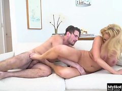 Summer Brielle is another all natural beauty with big...