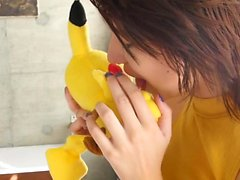 Cecè knullade henne Comforting pokemon och kan honom fylla her