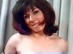 Doğal büyük göğüsler ile retro güzel kadınlar !