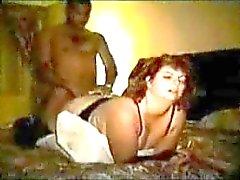 Guy tapes onderdanige vrouw met dominante stier