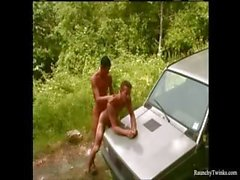 Araba Hood On Pürüzsüz Yakışıklı Raunchy Boys Açık Anal Seks