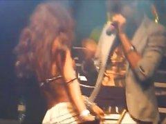 Kinky nudez russa menina no palco clube concert 3