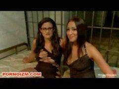 Caged Lesdom slavar BDSM Undersök