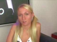 La séduisante blonde Madison Scott se fait défoncer la chatte en POV