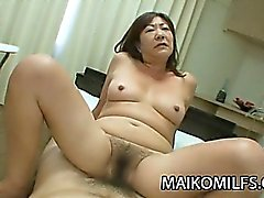 Cona Peluda Japanese Granny