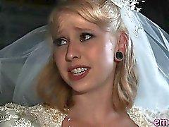 Blonden frau anal gefickt von einem schwarze Kerl vor ihrer Ehe
