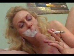 sigara olgun kalın bir horoz berbat