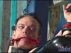 Şehvetli dominatrix onu köle ile eğlenceli vardır