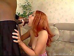 Victoria Sweet bekommt ihr den Mund mit hard cock gefüllte