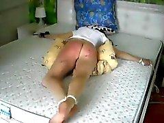 Estrema sculacciata il culetto Nadja