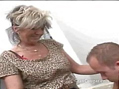 Sexy oude oma wil hem nu en wont stop til ze het krijgt