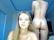 Di 2 Teens Perfetto mostrano fuori dai corpi perfetti naturali in webcam