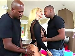 MILF Ryan in hardcore double penetration