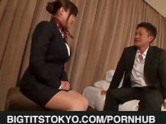 Japanilainen AV mallin Busty kokemasi haittavaikutus on hyvä perseestä