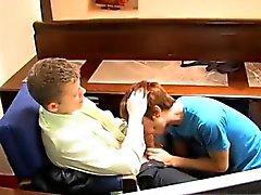 Nette Teen jungen Homosexuell haarigen Arsch Michas Andrews erreichen beeindruckt wit