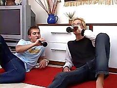 Сексуальная блондинка Gay Удовольствия его мальчик