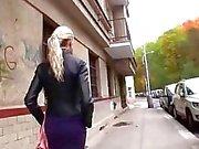 Grote tieten blonde amateur ruimen voor geld