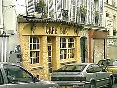 Fransız kafede sıcak bir çift penetrasyonu