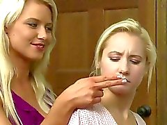 Anikka Albrite och Ashli Orions av Girlfriendsfilms
