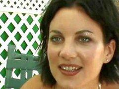 Sıcak Pornstar handjobs at Lyzi