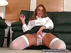 Sexy Schoolgirl Penny Flame strippning
