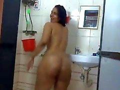 atractiva del milf indio le encanta mostrar su cuerpo desnudo