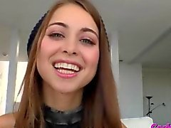 Skinny Riley Reid ha scopare da un rubinetto nero