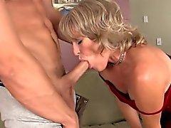 Geiles reifen habe ihrer Pussy Sperma gefüllt