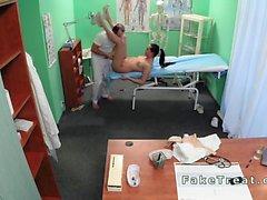 Doktor masajlar fake Hastanemizde onun hastabakıcı