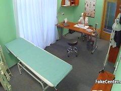 Hemşire hastanede onu eski profesör sikikleri