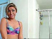 ShesNew Smalltits vriendin geneukt in de badkamer